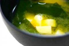 Miso soup (味噌汁)